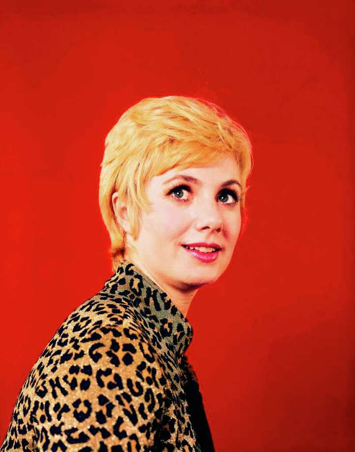 """THE PARTRIDGE FAMILY - """"Gallery"""" 1970 Shirley Jones Photo: ABC / © American Broadcasting Companies, Inc. All rights reserved. For editorial use only. NO ARCHIVING, NO RESALE."""