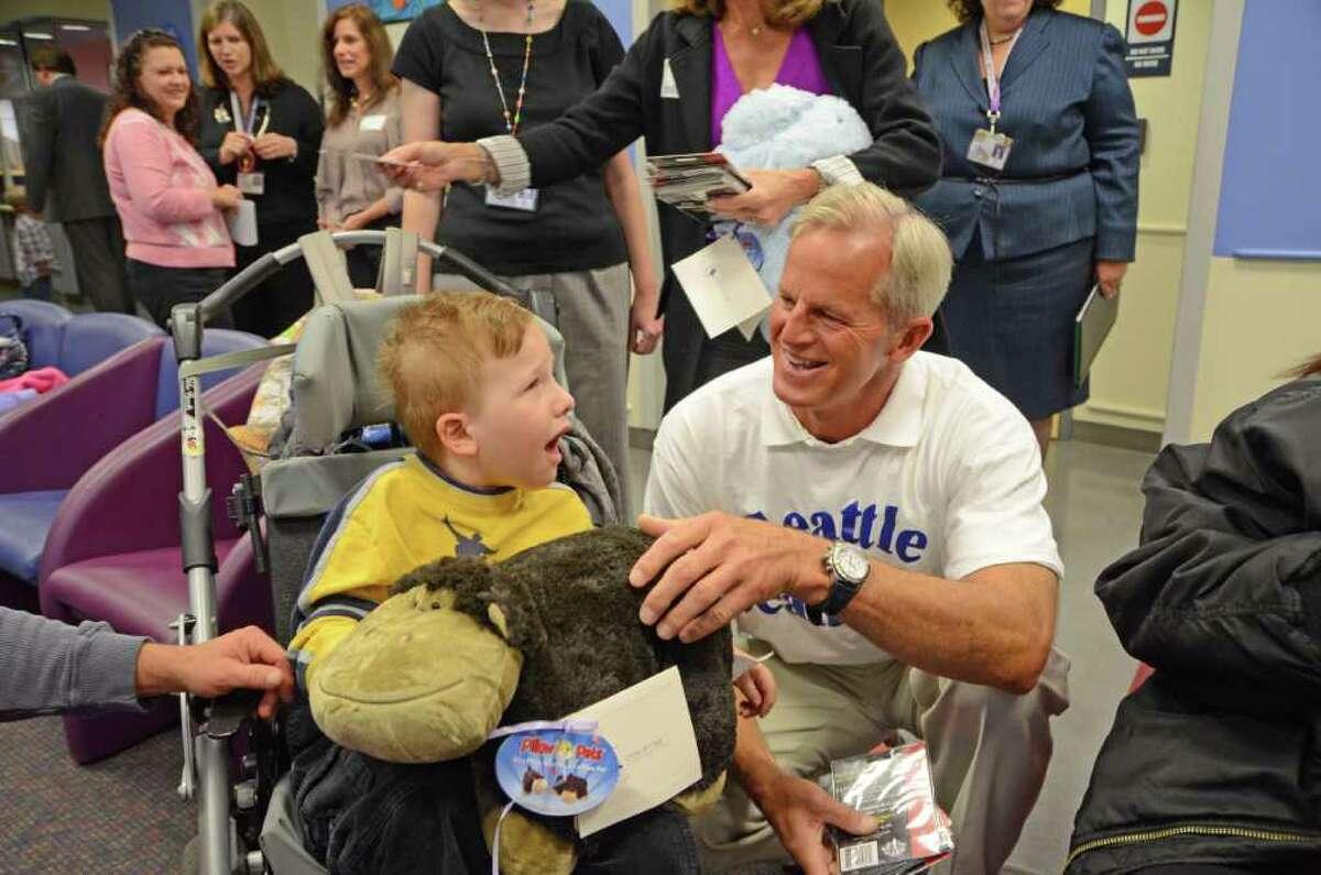 Connecticut Children's Medical Hospital, Hartford Chief Physician Executive, Fernando Ferrer Salary: $1,205,910 | Fringe benefits: 277,359 | Total: $1,483,269