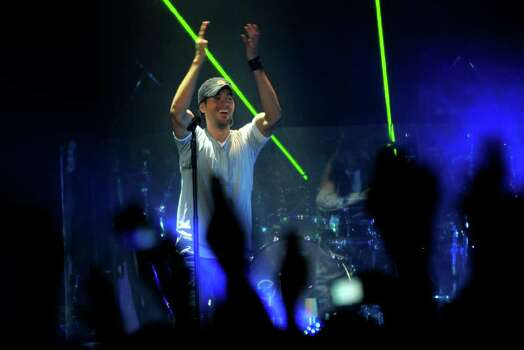 "Singer Enrique Iglesias performs during his ""Euphoria"" tour at the AT&T Center on Thursday, Oct. 13, 2011. Photo: BILLY CALZADA, Billy Calzada/gcalzada@express-news.net  / gcalzada@express-news.net"