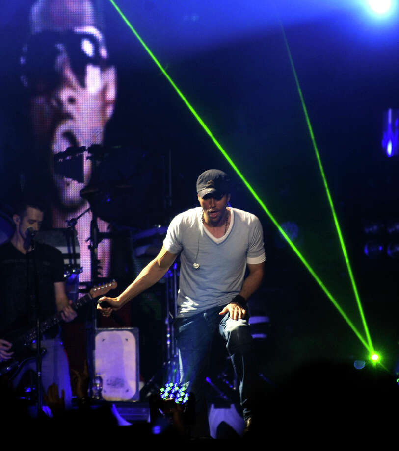 "Singer Enrique Iglesias performs during his ""Euphoria"" tour at the AT&T Center on Thursday, Oct. 13, 2011. Photo: Billy Calzada/gcalzada@express-news.net"