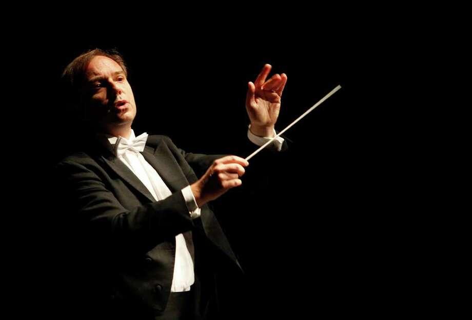 Sebastian Lang-Lessing returns for his second season as music director of the San Antonio Symphony. EXPRESS-NEWS FILE PHOTO Photo: ALICIA WAGNER CALZADA, SPECIAL TO THE EXPRESS-NEWS / Alicia Wagner Calzada