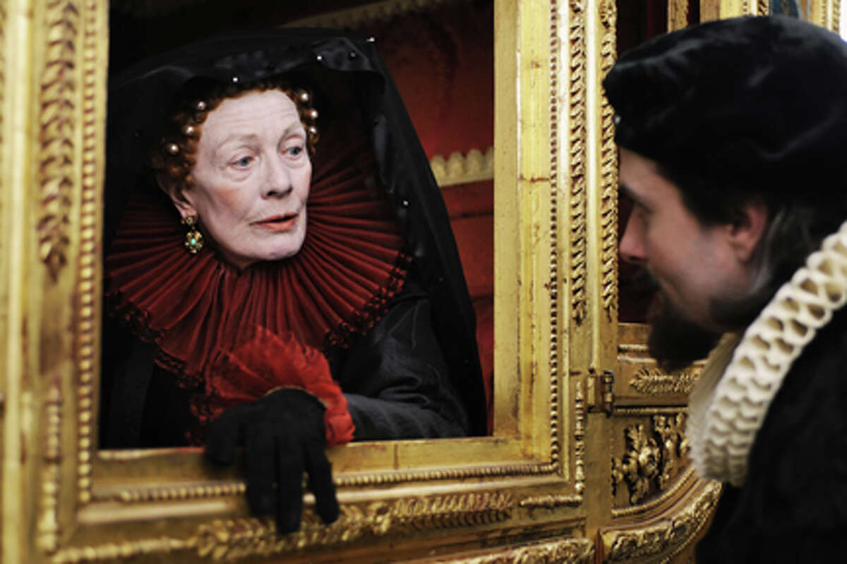 Vanessa Redgrave as Queen Elizabeth I in