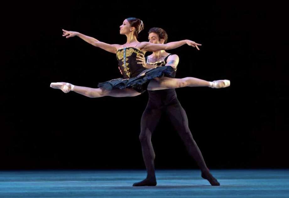 Houston Ballet's Karina Gonzalez and Connor Walsh perform in Jorma Elo's ONE/end/ONE. Photo: Amitava Sarkar
