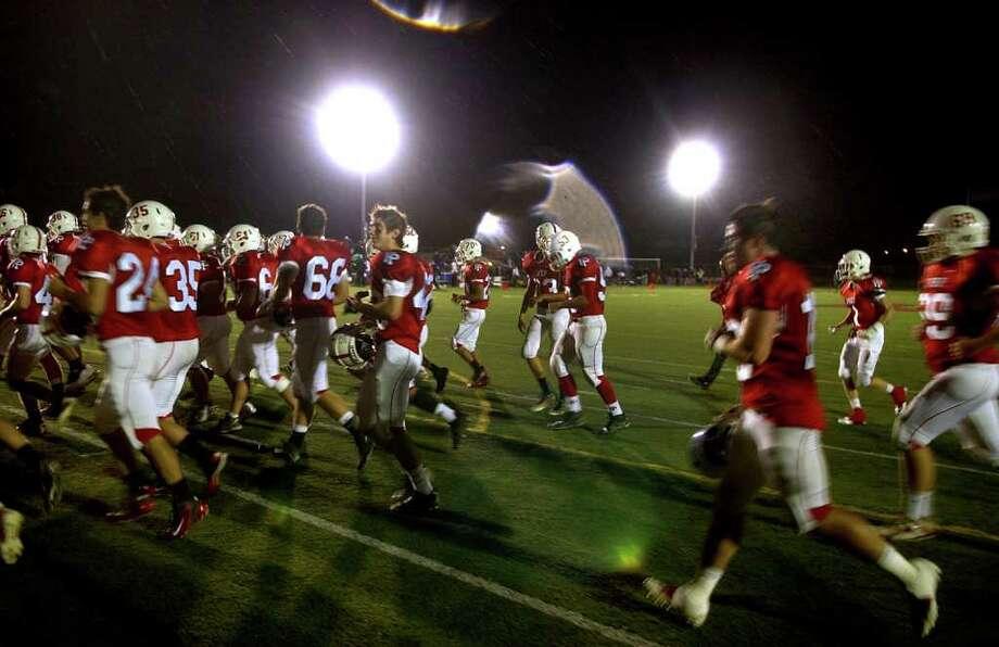 Highlights from boys football action between Fairfield Prep and Xavier at Fairfield University in Fairfield, Conn. on Friday October 14, 2011. Photo: Christian Abraham / Connecticut Post