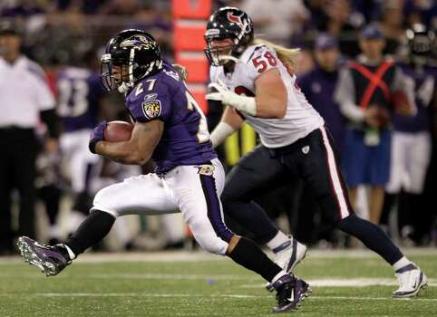 Baltimore Ravens running back Ray Rice (27) cuts back across the field past Houston Texans linebacker Brooks Reed (58) during the fourth quarter of an NFL football game at M&T Bank Stadium Sunday, Oct. 16, 2011, in Baltimore. Photo: Brett Coomer, Houston Chronicle / © 2011  Houston Chronicle