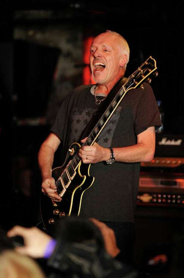 Musician Peter Frampton performs onstage at the Road Recovery Benefit at the John Varvatos Bowery NYC store on January 7, 2010 in New York City.  (Photo by Bryan Bedder/Getty Images) Photo: Bryan Bedder, Getty Images / 2010 Getty Images