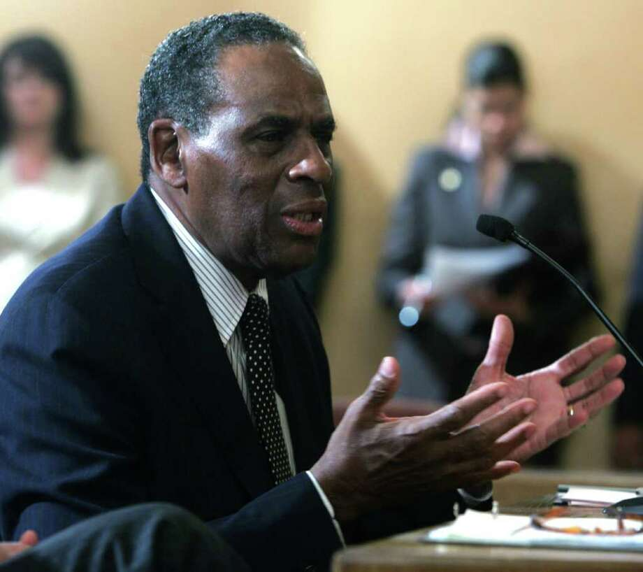 H. Carl McCall, a member of the board of trustees for the State University of New York, will succeed Carl Hayden as chair of the board.  (Mike Groll / Associated Press) Photo: Mike Groll / AP