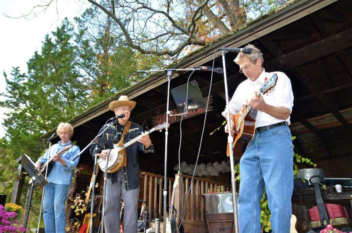 And the MoBros Band played on....at the Nature Center Fall Fair.
