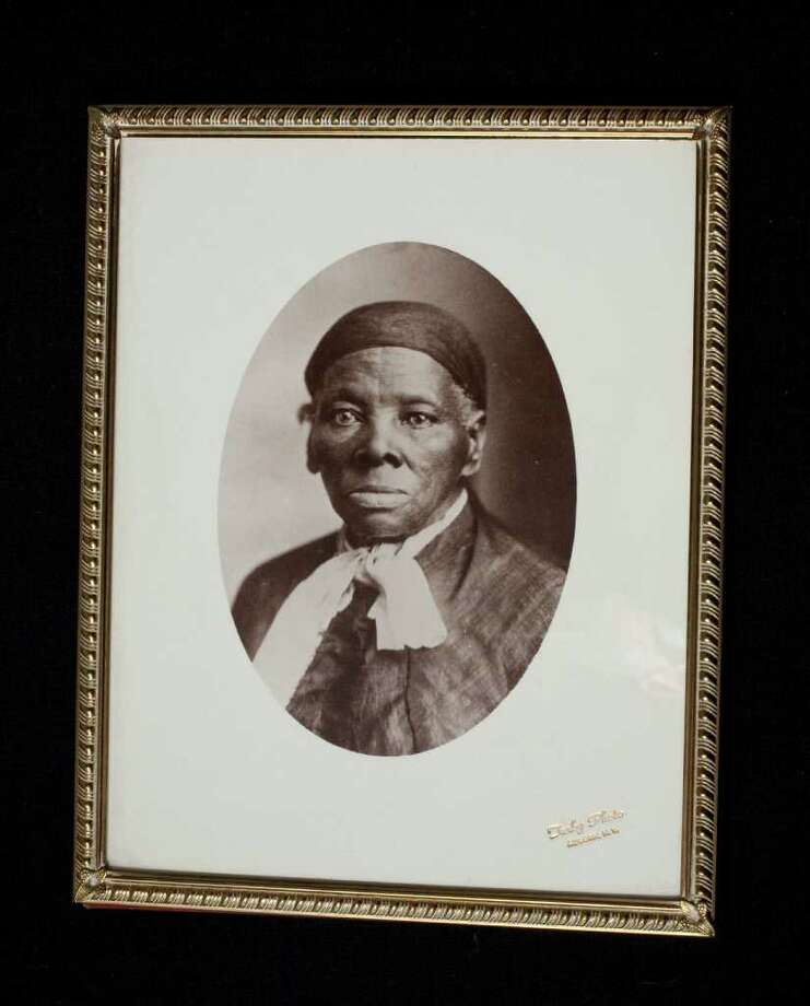 Michael R Barnes: ap ABOLITIONIST: Harriet Tubman guided dozens of slaves to freedom. Photo: Michael R Barnes / Smithsonian Institution