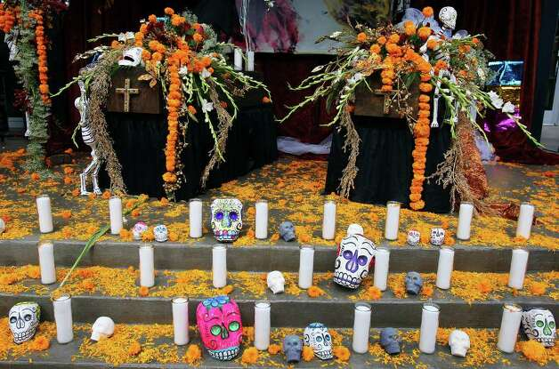 "FOR METRO - A view of the Museo Alameda's altar honoring lost loves part of their ""Dia de los Muertos: Bodas Negras, A Celebration of Lost Love"" event held Sunday Nov. 2, 2008 in El Mercado. (PHOTO BY EDWARD A. ORNELAS/eornelas@express-news.net) Photo: EDWARD A. ORNELAS, SAN ANTONIO EXPRESS-NEWS / eornelas@express-news.net"