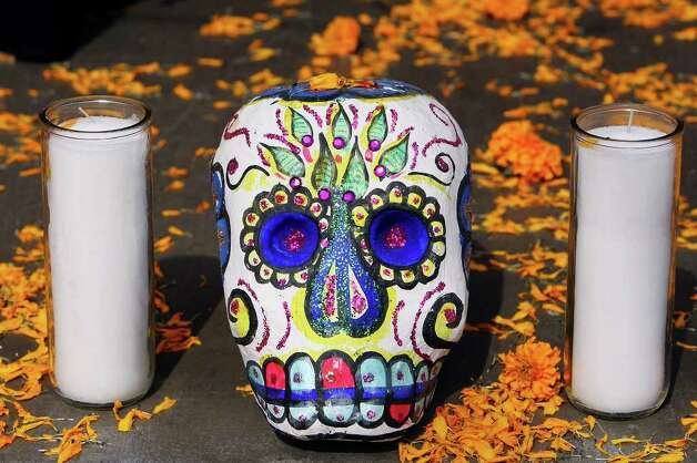 "FOR METRO - A detail of the Museo Alameda's altar honoring lost loves part of their ""Dia de los Muertos: Bodas Negras, A Celebration of Lost Love"" event held Sunday Nov. 2, 2008 in El Mercado. (PHOTO BY EDWARD A. ORNELAS/eornelas@express-news.net) Photo: EDWARD A. ORNELAS, SAN ANTONIO EXPRESS-NEWS / eornelas@express-news.net"