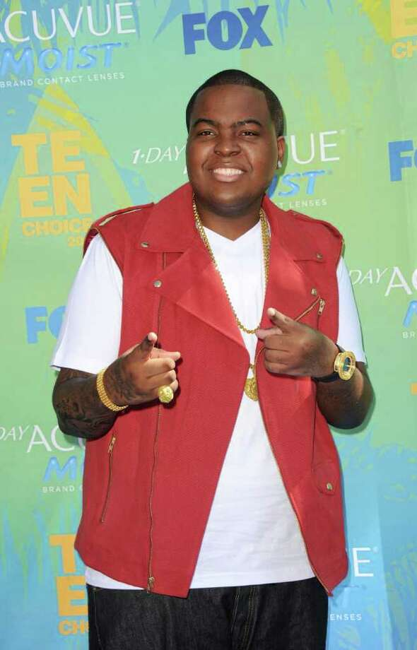 UNIVERSAL CITY, CA - AUGUST 07:  Singer Sean Kingston arrives at the 2011 Teen Choice Awards held at the Gibson Amphitheatre on August 7, 2011 in Universal City, California. Photo: Jason Merritt, Getty Images / 2011 Getty Images
