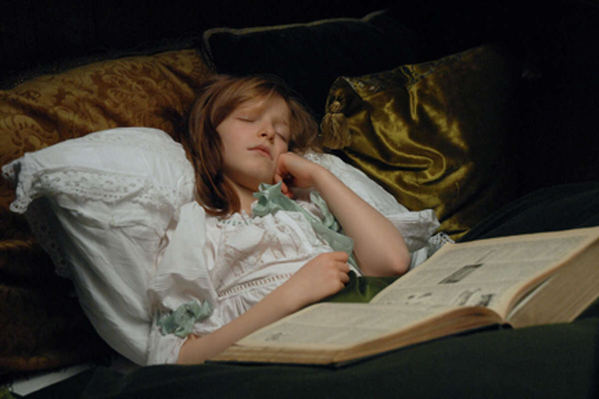 Carla Besnainou as Anastasia in