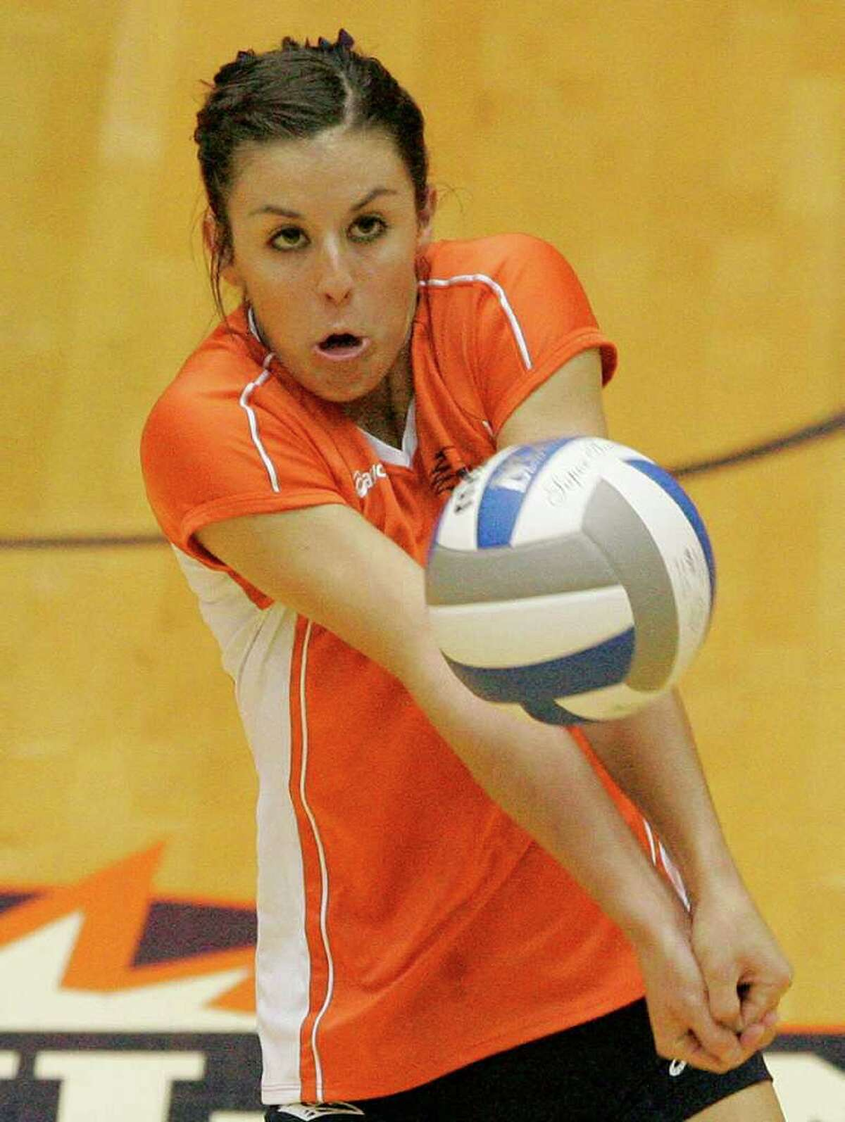 UTSA's Kelsey Jewasko digs during a Southland Conference college volleyball game against Texas A&M-Corpus Christi, Wednesday, Oct. 19, 2011, at UTSA.