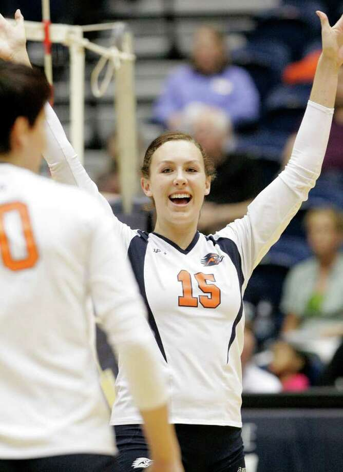 UTSA's Whitney Walls celebrates a point during a Southland Conference college volleyball game against Texas A&M-Corpus Christi, Wednesday, Oct. 19, 2011, at UTSA. Photo: Darren Abate, Darren Abate/Special To The Express-News
