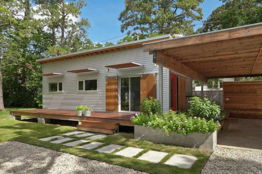 BEN HILL AIA HOME TOUR: Donna Kacmar designed the 544-square-foot home at 806 Fisher. The owner wanted to emulate an Airstream trailer. Photo: Ben Hill