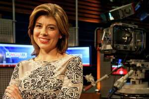 KHOU anchor Lisa Hernandez debuts new baby - Photo