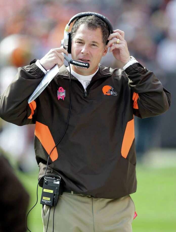 Cleveland Browns head coach Pat Shurmur works the sidelines in the first quarter of an NFL football game against the Seattle Seahawks Sunday, Oct. 23, 2011, in Cleveland. Photo: AP