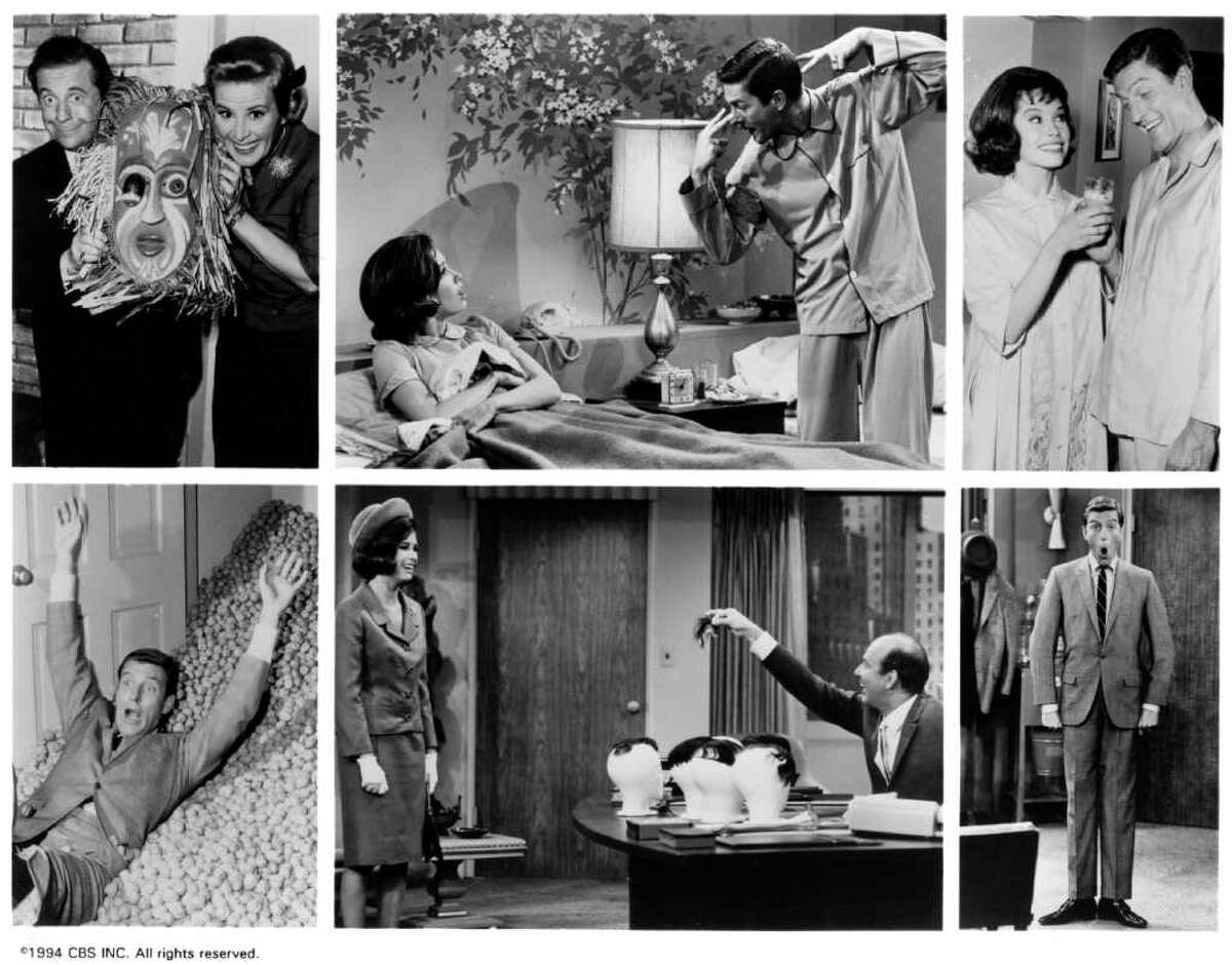 Big break When Moore was 24, Carl Reiner cast Mary Tyler Moore as Laura Petrie, the wife of a TV writer, on