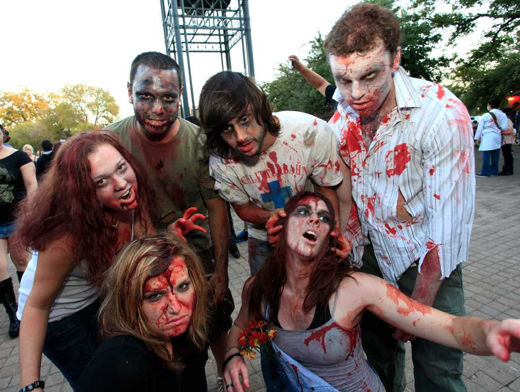 Photo Gallery: 14,000 San Antonian Zombies Converge on ...