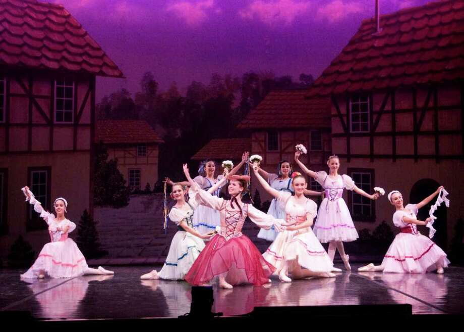 "San Antonio Metropolitan Ballet will once again presenting ""Hansel and Gretel."" Courtesy of  Mike Connally"