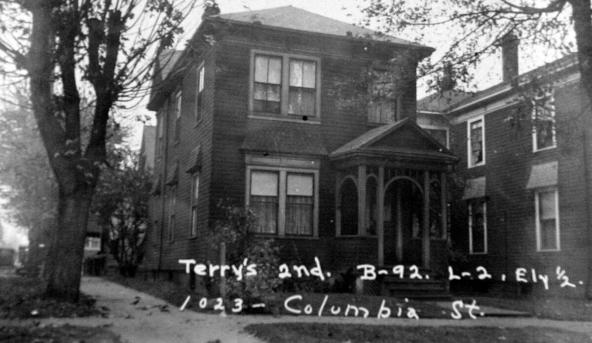 Assessor's image, apparently from 1937, of 1023 Columbia St. The 3,800-square-foot Painted Lady, built in 1900, has four bedrooms, 2.5 bathrooms, a reception hall, offices, a library, three fireplaces, built-in shelves, wood paneling and a front porch on a 2,400-square-foot lot. It's listed for $2.68 million.