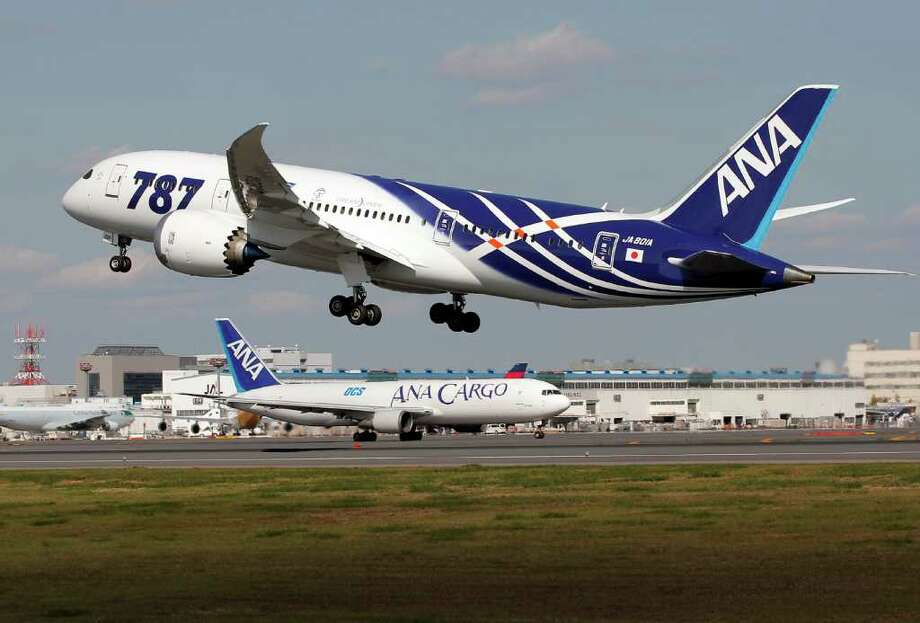 All Nippon Airways Boeing 787 takes off for the airplane's inaugural commercial flight to Hong Kong at Narita International Airport in Narita, east of Tokyo, on Wednesday. Photo: AP
