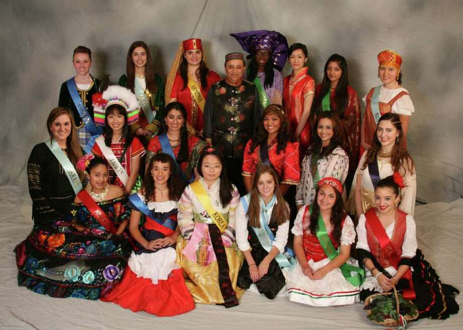 The 2011 Miss Festival of Nations contestants with Chairman Manoj Ajmera.