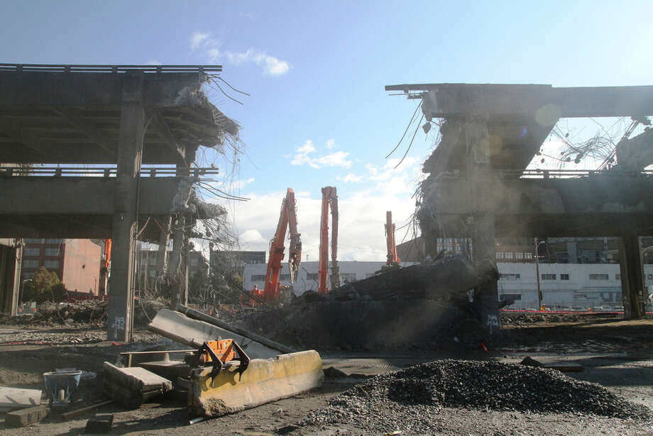 Alaskan Way Viaduct demolition continues - seattlepi.com