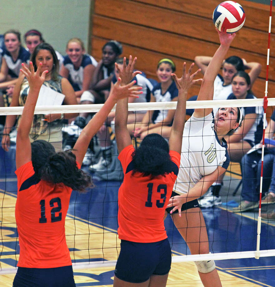 O'Connor and hitter Caitlin Callihan wound up in a three-way tie for the District 27-5A title with Brandeis and Warren.  TOM REEL/treel@express-news.net / © 2011 San Antonio Express-News