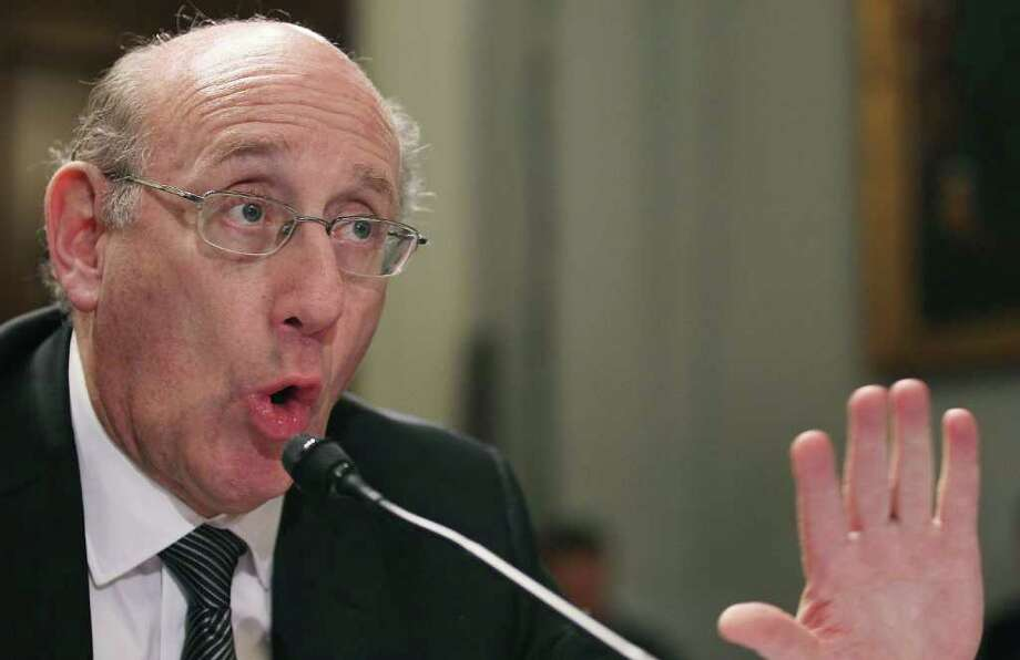 "MARK WILSON : GETTY IMAGES HIS TIME: Kenneth Feinberg, head of the BP compensation fund, tells a House hearing that the 2,000 new applicants each week are ""proof positive that we are doing something right."" Photo: Mark Wilson / 2011 Getty Images"