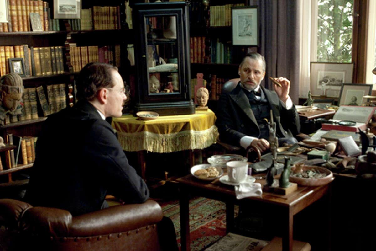 (L-R) Michael Fassbender as Carl Jung and Viggo Mortensen as Sigmund Freud in