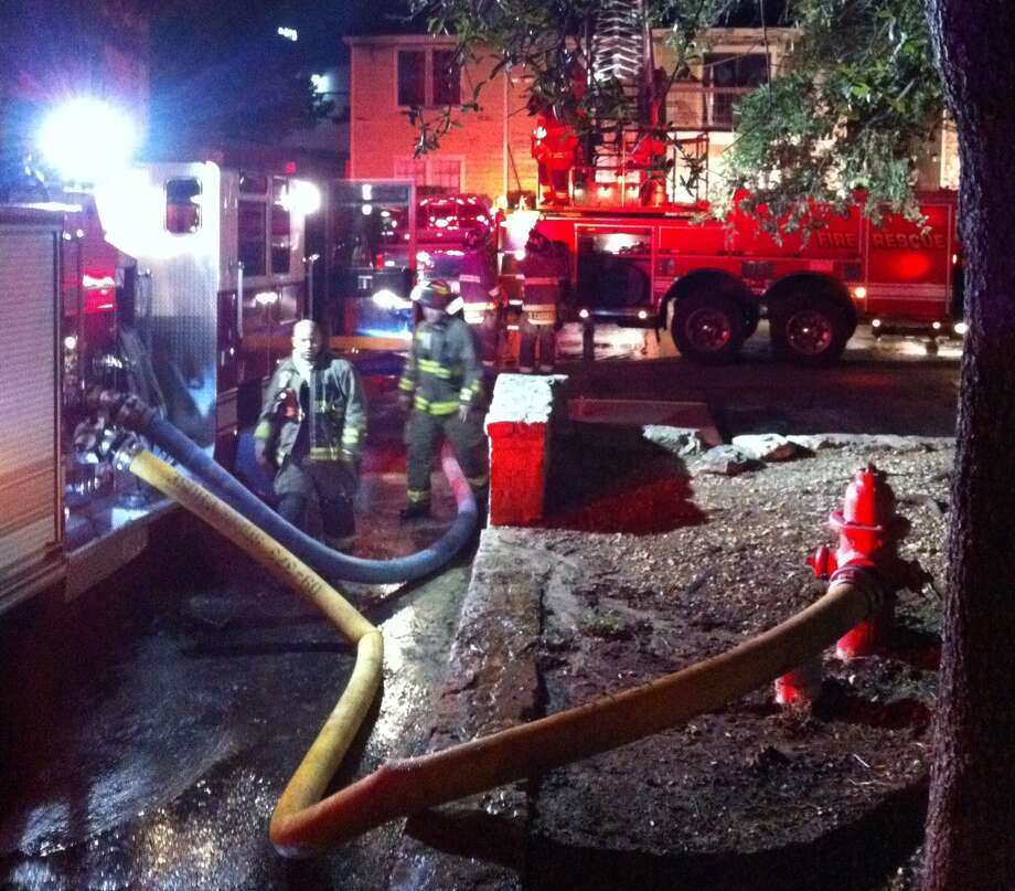 A fire ripped through a Northeast Side apartment building early Friday morning. Photo: Ana Ley / Aley@express-news.net