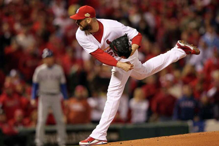 ST LOUIS, MO - OCTOBER 28: Chris Carpenter #29 of the St. Louis Cardinals pitches in the first innin