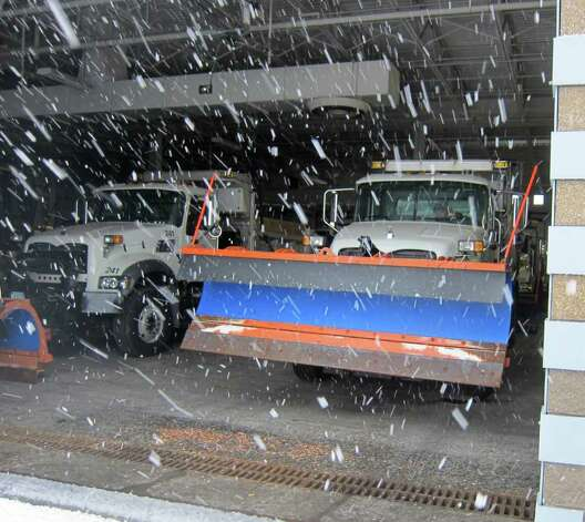 Stamford Department of Operations crews prepare to clear snow early Saturday afternoon. Photo: Jonathan Lucas