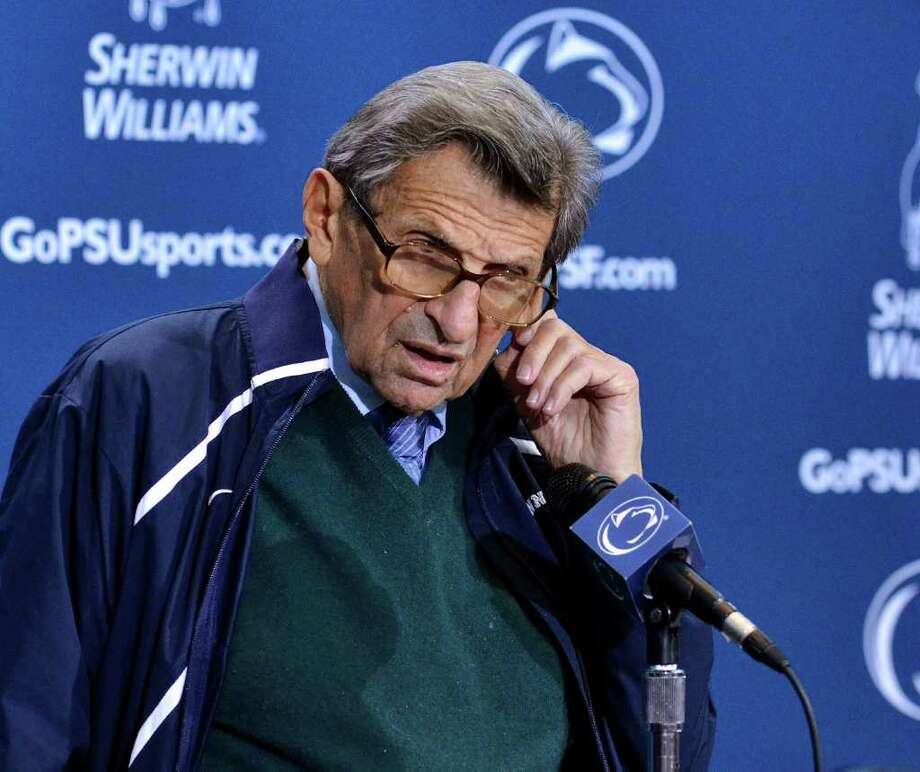 Penn State coach Joe Paterno answers questions during his weekly NCAA college football news conference on Tuesday, Oct. 25, 2011, in State College, Pa. (AP Photo/Ralph Wilson) Photo: Ralph Wilson / FR78134 AP