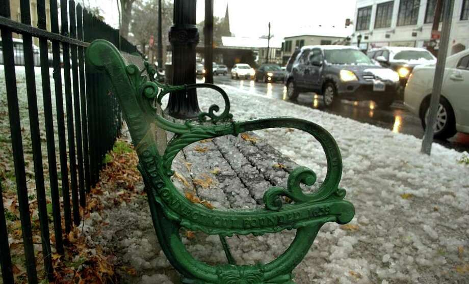 Scenes from Saturday's nor'easter as it goes through Milford, Conn. on October 29, 2011. Photo: Christian Abraham / Connecticut Post