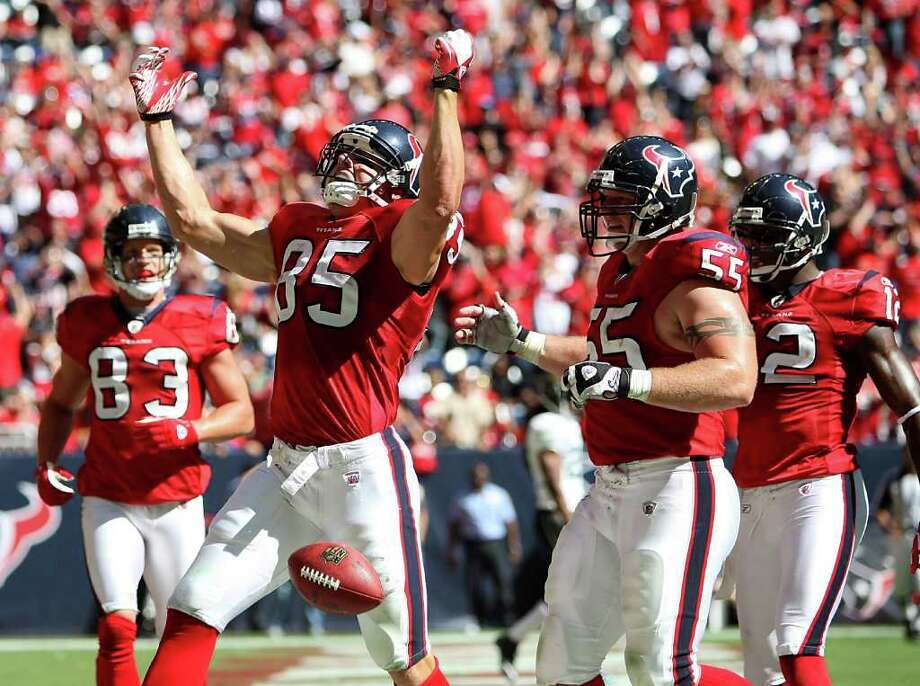 Oct. 30: Texans 24, Jaguars 14. Texans tight end Joel Dreessen (85) celebrates his touchdown reception against the Jaguars in the third quarter. Photo: Karen Warren, Houston Chronicle / © 2011 Houston Chronicle