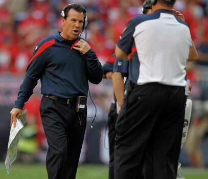 Houston Texans head coach Gary Kubiak on the sidelines in the fourth quarter of an NFL football game at Reliant Stadium, Oct. 30, 2011.  Houston won the game 24-14. Photo: Karen Warren, Houston Chronicle / © 2011 Houston Chronicle