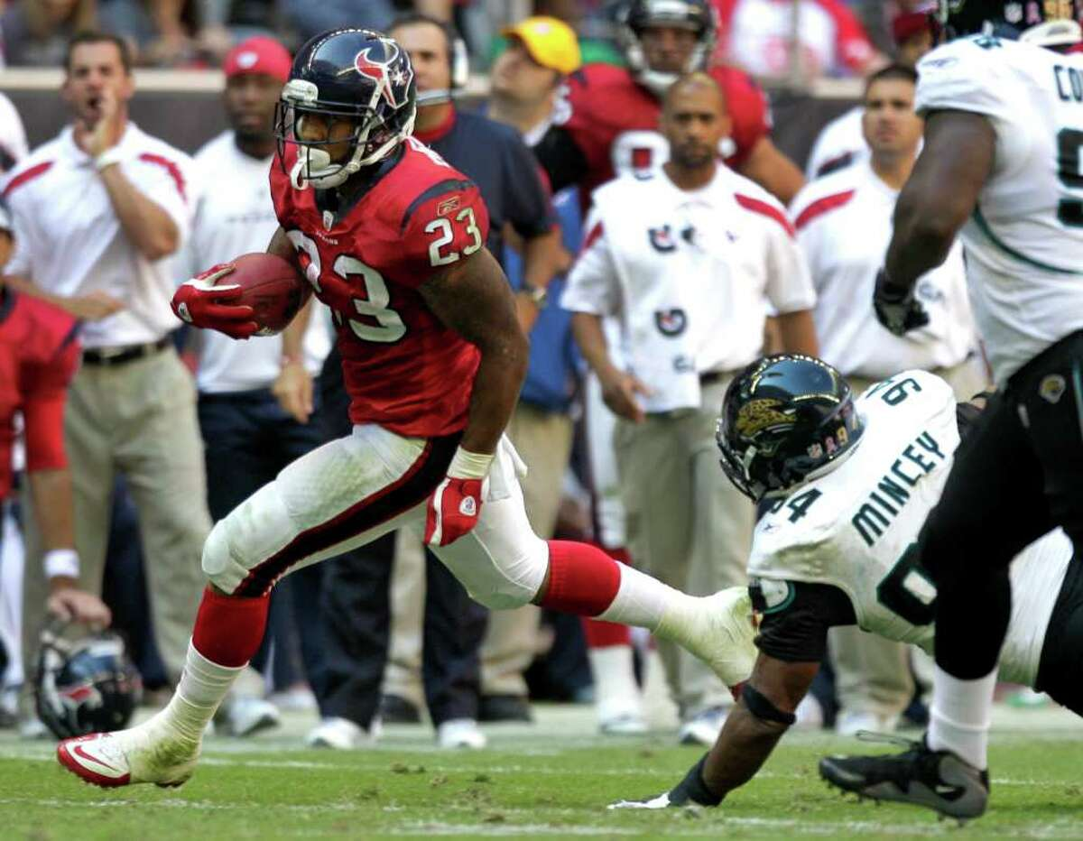 Jaguars defensive end Jeremy Mincey (94) accused the Texans of being dirty.