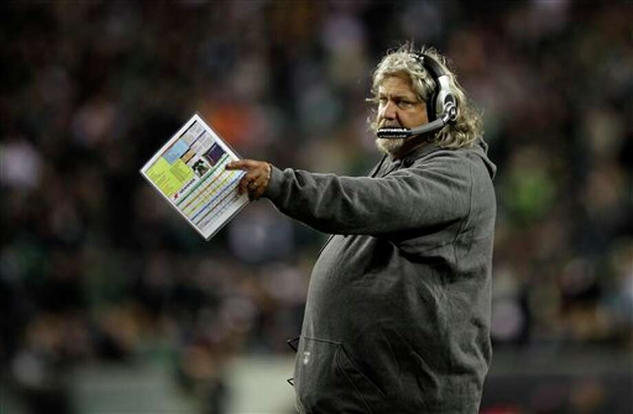 Dallas Cowboys defensive coordinator Rob Ryan directs his defense in the first half of an NFL football game with the Philadelphia Eagles Sunday, Oct. 30, 2011 in Philadelphia. (AP Photo/Matt Slocum) Photo: Matt Slocum, Associated Press / AP