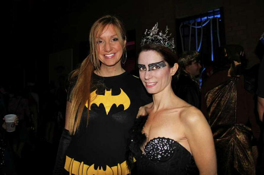 Were you Seen at the 2011 Lark Street BID Halloween Party at the Washington Park Lakehouse on Friday