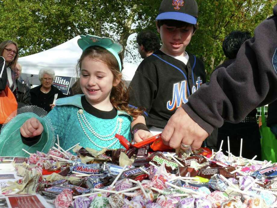 The costumed crowds came out Monday for the Chamber of Commerce's Trick or Treat on Safety Street. Photo: Genevieve Reilly / Fairfield Citizen