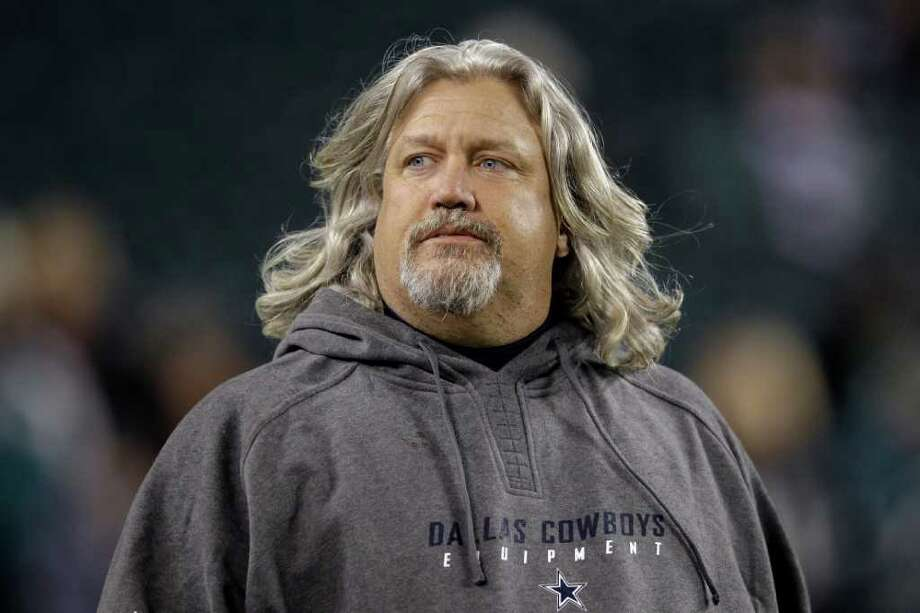 Dallas Cowboys defensive coordinator Rob Ryan walks the field before an NFL football game against the Philadelphia Eagles Sunday, Oct. 30, 2011 in Philadelphia. (AP Photo/Matt Slocum) Photo: Matt Slocum / AP
