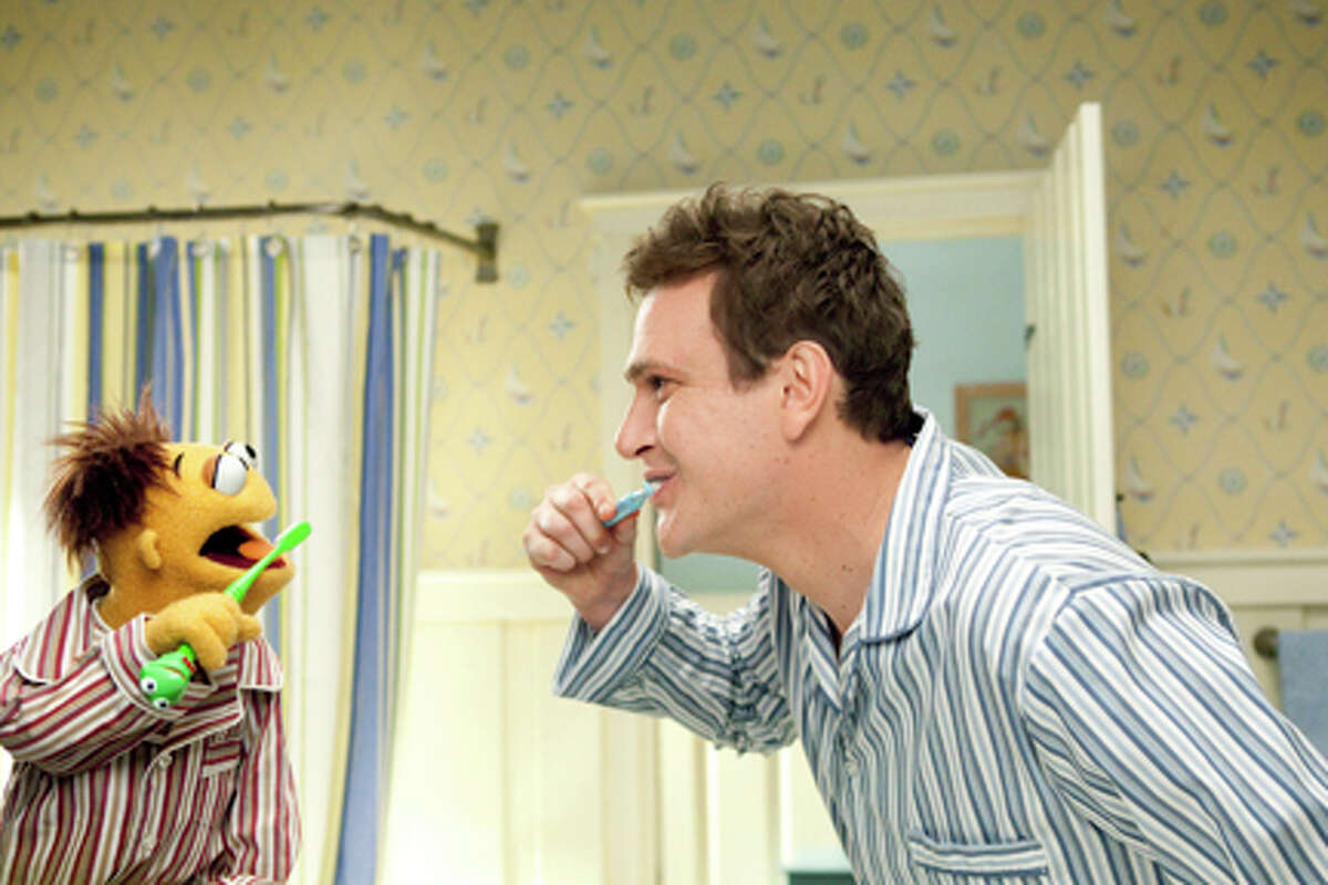 (L-R) Walter and Jason Segel as Gary in