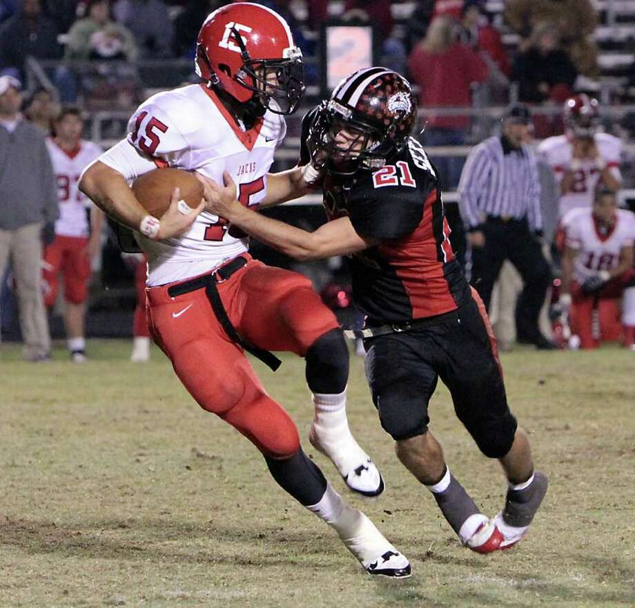 Kirbyville rolls over Diboll. Photo: Charles Kerr