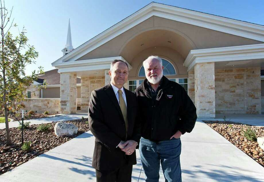 San Antonio West Stake President Michael Freckleton (left) stands with Helotes mayor Tom Schoolcraft outside the Church of Jesus Christ of Latter-Day Saints' new Helotes meetinghouse. Photo: MARVIN PFEIFFER, Marvin Pfeiffer/Prime Time Newspapers / Prime Time Newspapers 2011