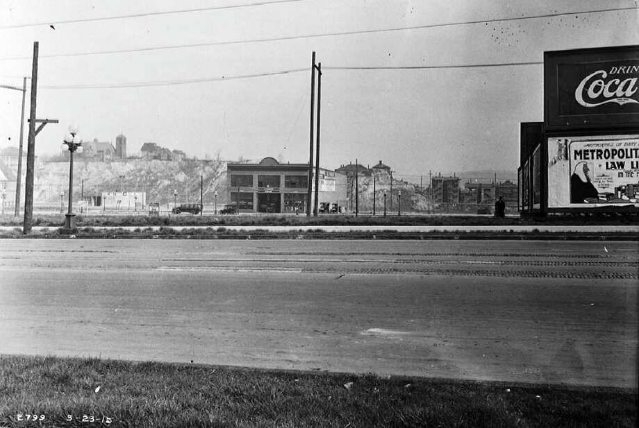 The Denny regrade area from Third Avenue and Virginia Street, March 23, 1915. Photo: Seattle Municipal Archives