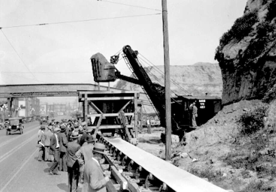 Denny regrade conveyer belt at 5th Ave. and Battery Street, May 11, 1929. Photo: Seattle Municipal Archives