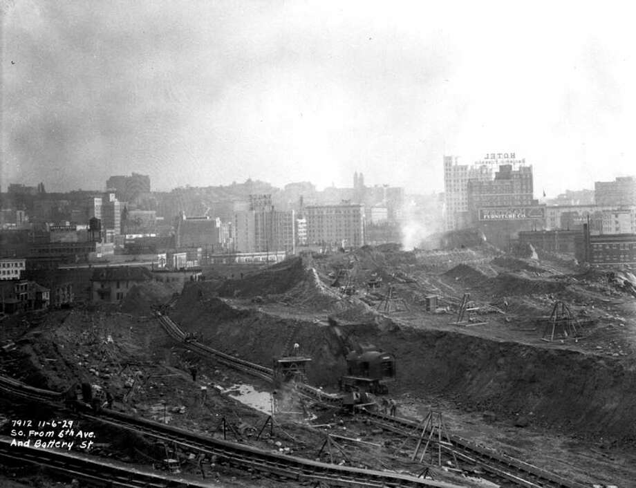Looking south from Sixth Avenue and Battery Street, Nov. 6 1929. Photo: Seattle Municipal Archives